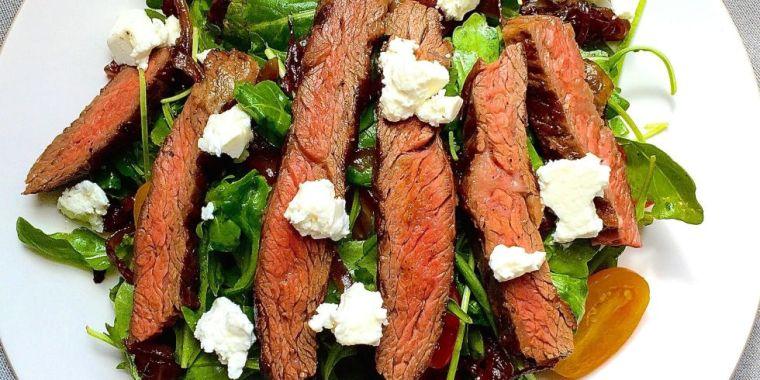 steak-with-feta-and-arugula
